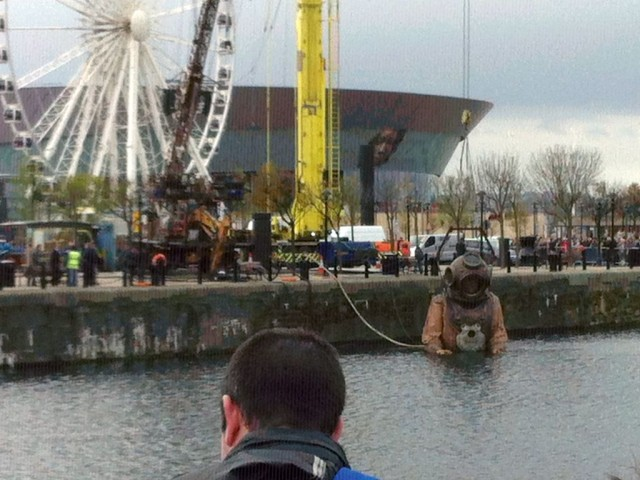 Photo of Diver Giant waiting in Dock