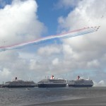 Red Arrows fly over Three Queens
